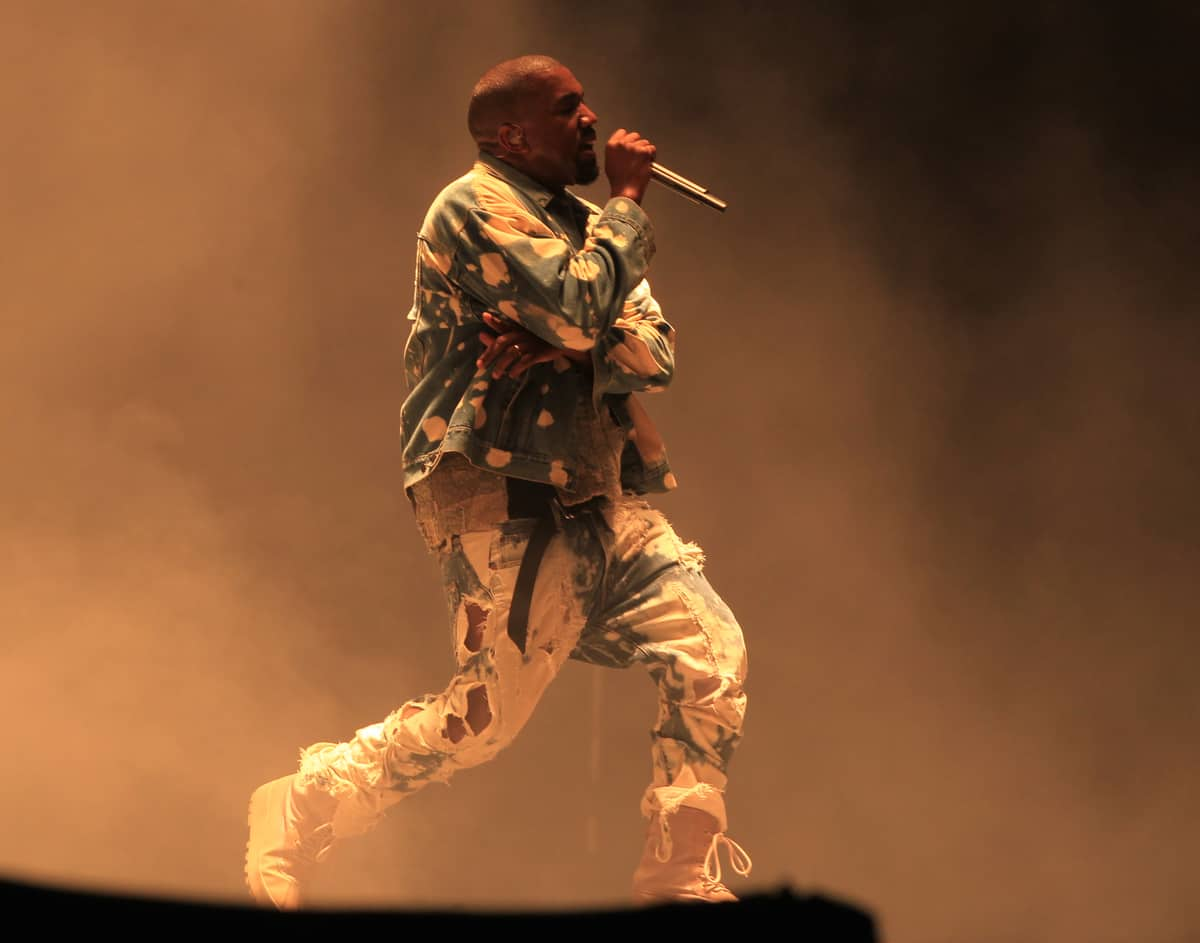Kanye West released a new song, extract of his upcoming album