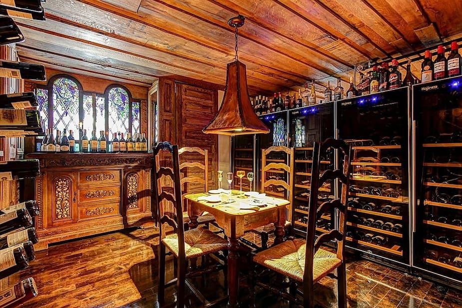 Sympathique cave à vin qu'ils doivent appelé en rigolant «l'espace cellier». Si vous y mettez du Wallaroo Trail, ça ne compte pas.
