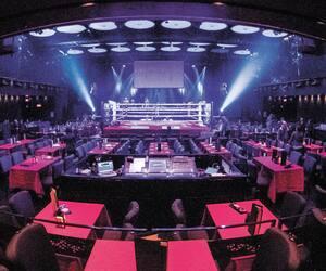 La salle du cabaret du Casino de Montréal devait se remplir à trois reprises au cours des prochains jours à l'occasion de trois galas de boxe. La Régie des alcools, des courses et des jeux a toutefois décidé d'annuler les événements.