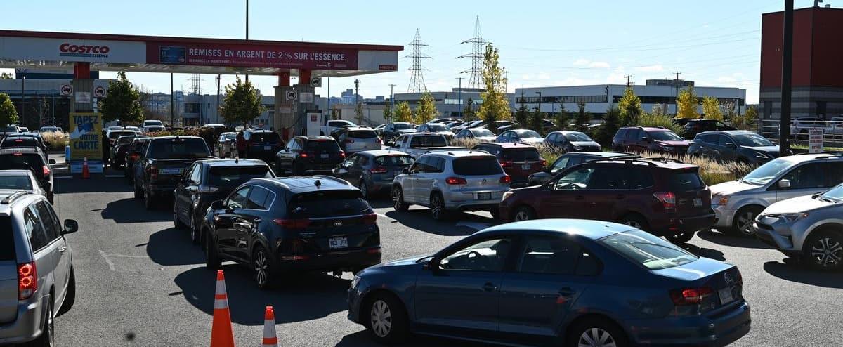 Hausse du prix de l'essence: des automobilistes courent les rabais