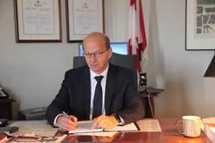 Rapport sur Julie Payette: le sénateur Claude Carignan dépose une plainte