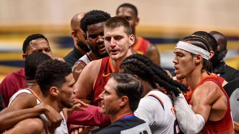 Les Suns complètent le balayage, Jokic expulsé