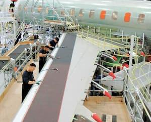 Chaîne de montage final du Global 7500, un des biréacteurs d'affaires de Bombardier.