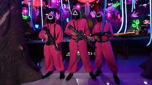 Image principale de l'article Les costumes de «Squid Game» interdits à l'école