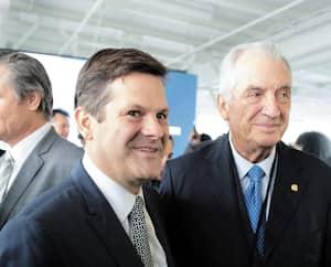 Pierre et Laurent Beaudoin lors d'une assemblée des actionnaires de Bombardier.