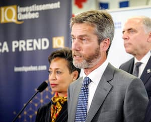 Guy LeBlanc, ici en compagnie de la ministre Nadine Girault, est PDG d'IQ depuis avril 2019. Rappelons qu'il était alors déjà un proche ami du ministre de l'Économie Pierre Fitzgibbon.