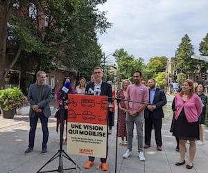Lors d'une annonce mercredi à Limoilou, le candidat à la mairie Bruno Marchand a dit croire «fortement» au projet de tramway.
