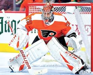 Les amateurs de hockey vont scruter à la loupe les performances des gardiens Carter Hart chez les Flyers et Carey Price chez le Canadien.