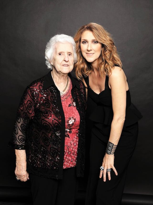 Céline Dion accompagnée de sa mère, MmeThérèse Tanguay Dion.