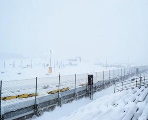 Les estrades étaient presque vides vendredi, au GP de Valcourt, à cause du mauvais temps, et les qualifications ont été annulées.