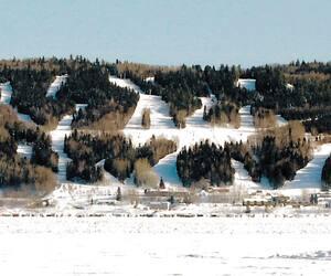Le Mont-Bélu a été fermé pour la journée, dimanche, et ne rouvrira pas ses portes avant mercredi, selon ce qui est indiqué sur le site web de la station de ski.