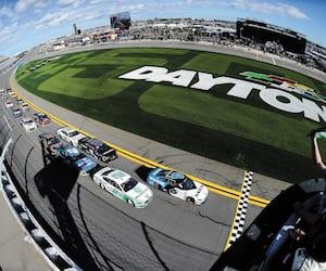 Le circuit de Daytona donnera le coup d'envoi demain de la nouvelle saison en Coupe NASCAR.