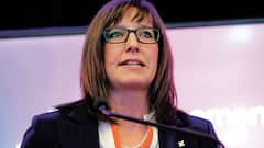 Harcèlement: Marie-Ève Proulx n'est plus ministre, mais reste députée de la CAQ