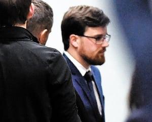 Le policier Maxime Lehoux est accusé d'agression sexuelle par deux femmes.