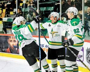 Daniel Renaud retrouvera des visages connus à Val-d'Or, notamment Jérémy Michel (à droite) qu'il a côtoyé dans les programmes de Hockey Québec et de Hockey Canada. Il dirigera aussi le deuxième choix au total du dernier repêchage, Justin Robidas et le vétéran Nicolas Ouellet.