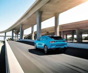 La Mustang Mach-E édition GT Performance «vous reconnaît dès que vous vous en approchez.