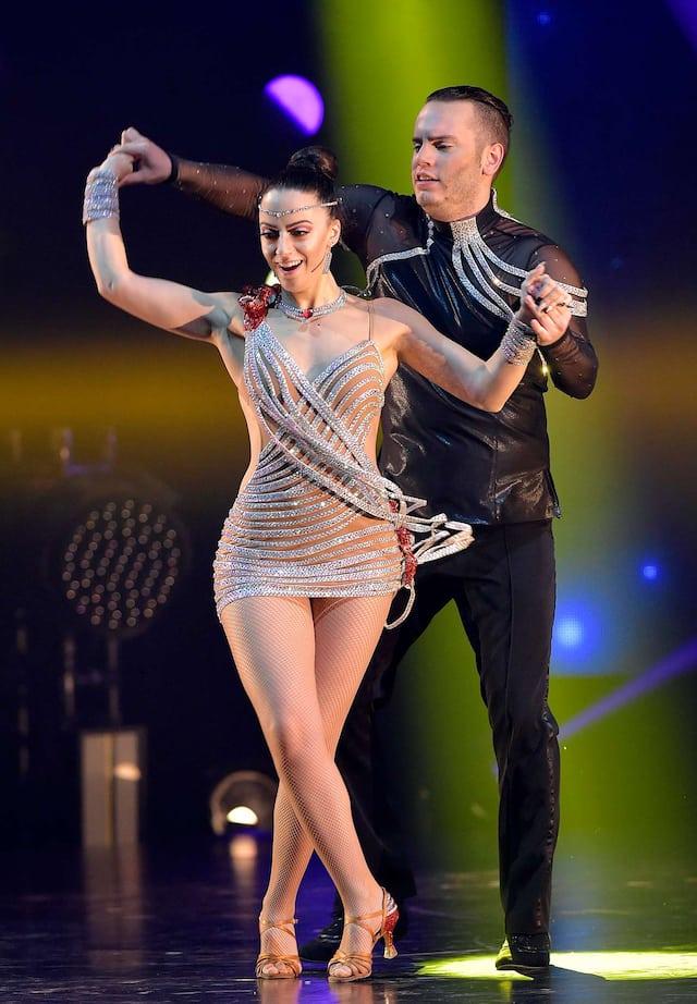 Samantha et Adriano ont terminé deuxièmes lors de la dernière saison de Révolution. Ils ont fait plusieurs numéros dans le spectacle