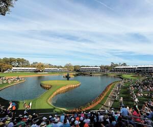 La première ronde du Championnat des joueurs de la PGA s'est jouée devant des spectateurs, Jeudi, en Floride.