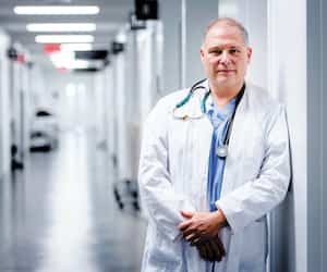Dr Jean-François Courval. président de l'Association des anesthésiologistes du Québec