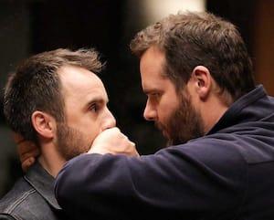 Louis-José Houde et Antoine Bertrand dans la comédie Menteur.