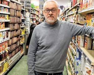 «C'est certain qu'avec l'aggravation de l'épidémie, les ventes n'arrêtent pas de monter. On bat des records», dit Franck Hénot, propriétaire de l'Intermarché Boyer.