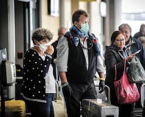 Environ 90voyageurs provenant de l'international ont atterri à Québec lundi après-midi.