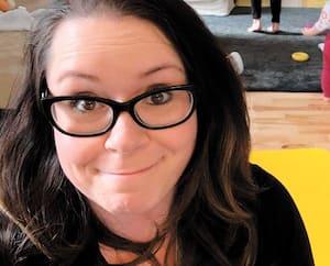 Comme bien des gens, Tina Fournier Ouellet tente de concilier télétravail et marmaille dans ce qui se termine la plupart du temps en joyeux bordel.