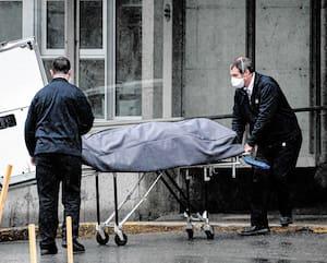 Le nombre de décès au CHSLD de Sainte-Dorothée, à Laval, d'où cette dépouille a été sortie, s'élève maintenant à 67.
