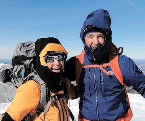 Julie Paquette et Daniel LeGresley lors d'une expédition dans les montagnes Adirondacks. Ils visent le sommet de l'Everest l'an prochain.