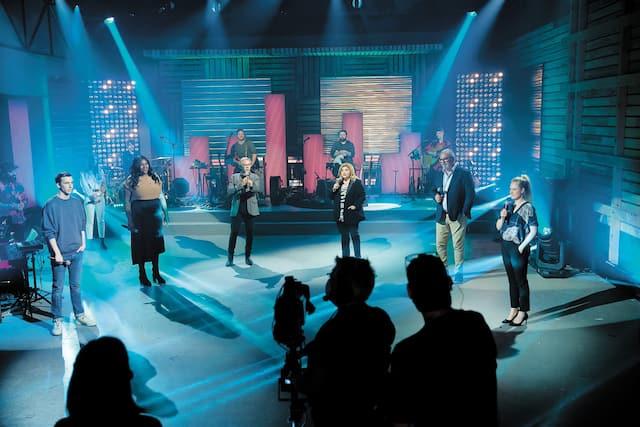 Le spectacle Une chance qu'on s'a était animé par Pier-Luc Funk, Mélissa Bédard, Marc Labrèche, Marie-Claude Barrette, Gildor Roy et Marie-Soleil Dion.