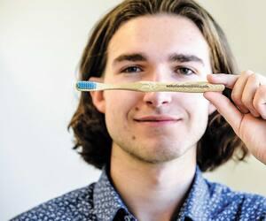 En plus de leur aspect écologique, les produits de Solution Bamboo, inventés par Antoine Olivier-Plourde, de Québec, se vendent à un prix abordable.