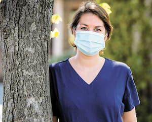 Maude Lépine, une jeune avocate qui est allée prêter main-forte au CHSLD Villa Val des Arbres dans le cadre de la pandémie du coronavirus.
