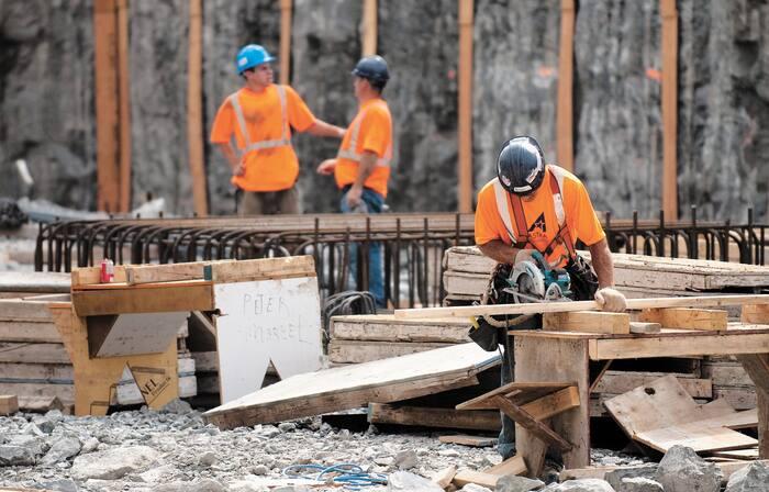 Les chantiers se multiplient sans aucun contrôle...