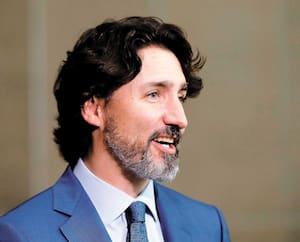 Si le confinement a fait perdre la notion du temps à plusieurs ces derniers mois, les longueurs du premier ministre, Justin Trudeau, sont devenues une unité de mesure et un sujet de blague d'un océan à l'autre.