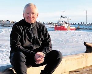Depuis la vente de St-Hubert, Jean-Pierre Léger partage son temps entre Montréal, les Îles-de-la-Madeleine et Chamonix en France, où il aime skier.