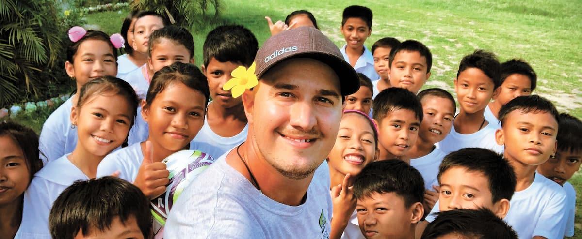 Des capsules vidéo pour faire découvrir le monde aux jeunes