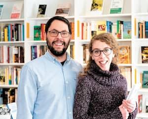 Couple dans la vie de tous les jours, Daniel et Cassandre Sioui ont réalisé leur rêve d'ouvrir une librairie généraliste.