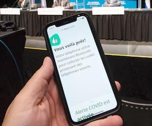 Lundi, Québec a annoncé qu'il allait de l'avant avec l'application fédérale Alerte COVID, qui envoie un message d'avertissement lorsqu'on a été en contact avec une personne infectée par le virus.