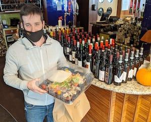 Charles-Antoine Authier du Montego est étonné de l'engouement pour les repas à emporter de ses clients.