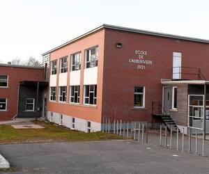 On dénombre 28 cas de COVID-19 parmi les membres du personnel et 50 parmi les élèves à l'école de l'Auberivière qui compte 432 élèves et 73 membres du personnel.