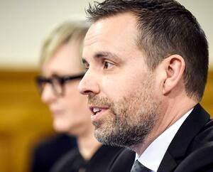 En février dernier, Frédéric Gaudreau assistait à une session en commission parlementaire dans le cadre du projet de loi sur la nomination des officiers à l'Assemblée nationale.