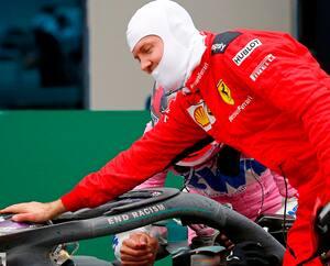 Dès la fin de la course, le pilote allemand Sebastian Vettel a fait preuve d'une grande classe en se dirigeant tout de go vers le bolide de Lewis Hamilton pour lui offrir ses félicitations.