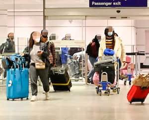 DOSSIER - VOYAGEURS DE RETOUR AU PAYS