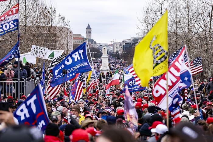 Des partisans de Donald Trump lors du rassemblement mercredi dernier devant le Capitole.