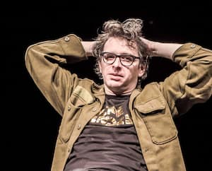 L'auteur Mathieu Arsenault relancera les activités du théâtre Périscope, devant public, mercredi soir, avec le spectacle La vie littéraire.