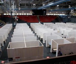 Le Centre Pierre-Charbonneau, à Montréal, offre un peu plus de 120lits aux sans-abri.