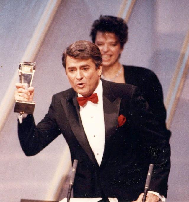 Le chanteur au gala des Prix Gémeaux en 1988.