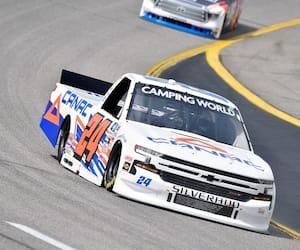 Raphaël Lessard a pris le huitième rang sur le circuit ovale du Kansas, samedi.