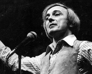 Yvon Deschamps a connu une brillante carrière comme monologuiste, de la fin des années1960 au début des années2000.