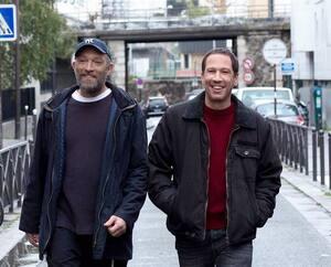Vincent Cassel et Reda Kateb dans <em>Hors normes</em>, la nouvelle comédie dramatique des réalisateurs Olivier Nakache et Éric Toledano (<em>Intouchables, Le sens de la fête</em>).